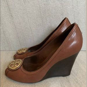 Tory Burch Wedge Size 7